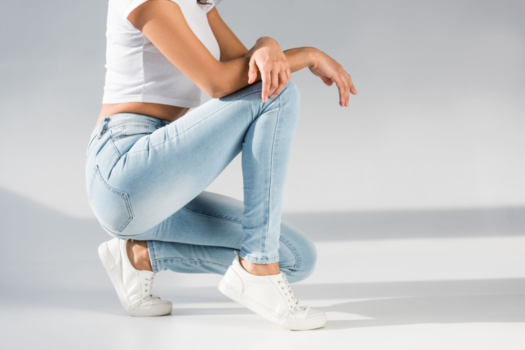 What women's jeans should I choose to slim my figure?